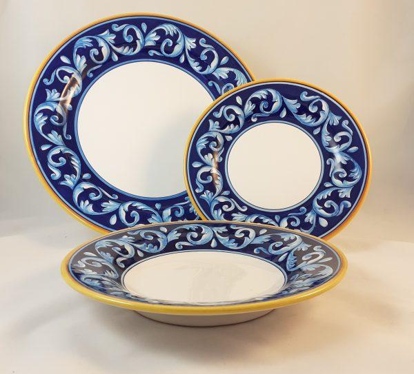 Servizio Piatti Decoro Antico Blu Ceramica Deruta