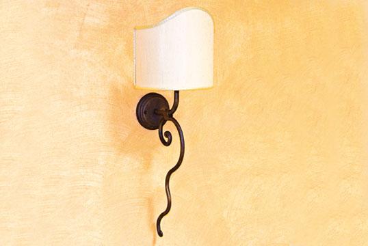 Chimera applique da parete con ventola in ferro battuto a mano